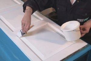 Thi công sơn dầu dùng cho bề mặt gỗ